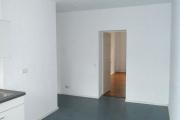 Obj.-Nr. 01191001 - Küche zu Flur und Schlafzimmer