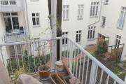 Obj.-Nr. 04190407 - Balkon-Ausblick Innenhof