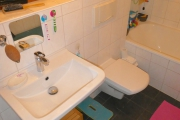 Obj.-Nr. 04190701 - Wannenbad WC-Waschbereich