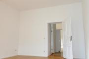Obj.-Nr. 04191013 - Wohnzimmer zum Flur