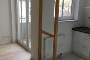 Obj.-Nr. 04200106 - Küche Balkonaustritt