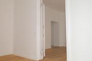 Obj.-Nr. 04200110 - Blick Küche zu Wohnzimmer