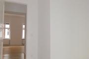 Obj.-Nr. 04200110 - Schlafzimmer zum Flur und Wohnzimmer