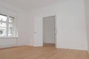 Obj.-Nr. 04200110 - Wohnzimmer seitlich