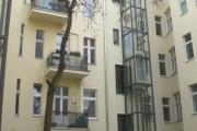 Obj.-Nr. 04200201 - Innenhof-Aufzug