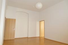 Obj.-Nr. 04200804 - Wohnzimmer zum Schlafzimmer
