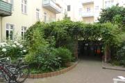 Obj.-Nr. 04200903 - schöner grüner Innenhof
