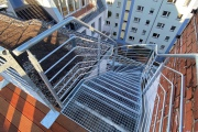 Obj.-Nr.-04201204-Dachterrasse-360°-Treppe-zur-Wohnung