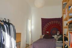 Obj.-Nr.-04210508-Schlafzimmer-zum-Flur