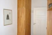 Obj.-Nr. 05120104 - Schrank im Schlafzimmer