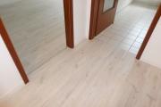 Obj.-Nr. 05180905 - Bodenbeläge Laminat-Fliesen