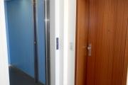Obj.-Nr. 05180905 - Treppenhaus Aufzug