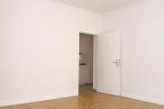Obj.-Nr. 09190702 - Wohnzimmer zum Flur