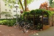 Obj.-Nr. 11180804 - Innenhof Fahrräder