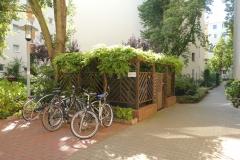 Obj.-Nr. 11200803 - Innenhof Fahrräder Müllplatz