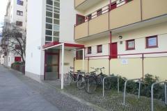 Obj.-Nr.-11210103-Hauszugang-Fahrradstaender