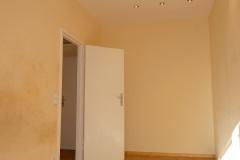 Obj.-Nr.-11210208-Schlafzimmer-zum-Flur