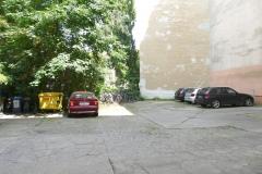 Obj.-Nr.-11210801-Innenhof-PKW-Stellplaetze