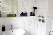 Obj.-Nr. 12200111 - Wannenbad WC Waschbereich