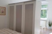 Obj.-Nr. 14200402 - Schlafbereich Bett und Schrank