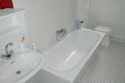Obj.-Nr.-14201002-Wannenbad-Wanne-Waschbereich