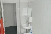 Obj.-Nr.-14201002-Wannenbad-zum-Flur