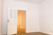 Obj.-Nr.-14210904-Zimmer-1-zum-Flur