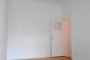 Obj.-Nr. 15191002 - Schlafzimmer zum Flur