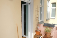 Obj.-Nr.-15210404-Balkon-zum-Wohnzimmer