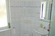 Obj.-Nr.-16210702-Duschbad-Waschbereich