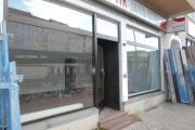 Obj.-Nr. 19190802 - Außenansicht Schaufenster von links