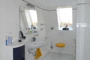 Obj.-Nr. 24200703 - Wannenbad WC-Waschbereich