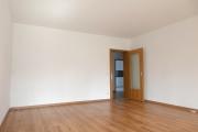Obj.-Nr. 30200401 - Wohnzimmer zum Flur