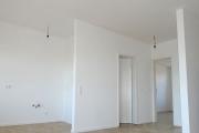 Obj.-Nr. 60200112-19 - Wohnzimmer zur Küche Bsp