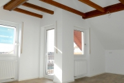 Obj.-Nr. 90200202 - Wohnzimmer zum Balkon