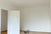 Obj.-Nr.-90210604-Schlafzimmer-zum-Flur
