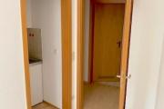 Obj.-Nr.-90210901-Hauptraum-zum-Flur