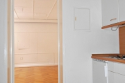 Obj.-Nr. 60180311 - Flur mit Einbauküche