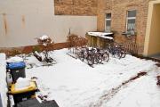 Obj.-Nr. 60180311 - Innenhof mit Fahrradplatz