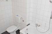 Obj.-Nr. 60180311 - Wannenbad WC