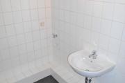 Obj.-Nr. 60180311 - Wannenbad Waschbereich