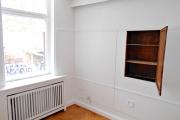 Obj.-Nr. 60180311 - Wohn- Schlafzimmer Regalwand