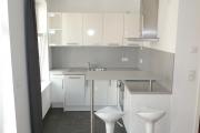 Obj.-Nr. 01180604 - Küche Essbereich Tresen geschlossen