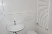 Obj.-Nr. 01180703 - Wannenbad WC-Waschbereich