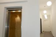 Obj.-Nr. 01190206 - Aufzug und Hausflur