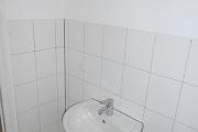 Obj.-Nr. 04180504 - Duschbad Waschbereich