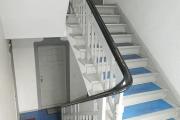 Obj.-Nr. 04190207 - Treppenhaus zur Wohnung