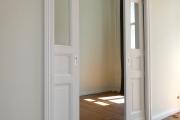 Obj.-Nr. 05180603 - Schiebetüren in der Wand laufend