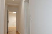 Obj.-Nr. 05180902 - Flur mit Skylight-Dachliegefenster