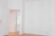Obj.-Nr. 08180312 - Schlafzimmer zum Flur